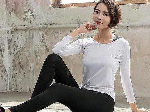 打底裤:勾勒出双腿曲线,秀出纤细腰身,彰显女性的娇嫩可人
