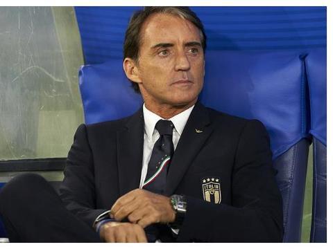 补时被绝平!门将离奇失误西班牙1-1,意大利2-0提前3轮晋级!