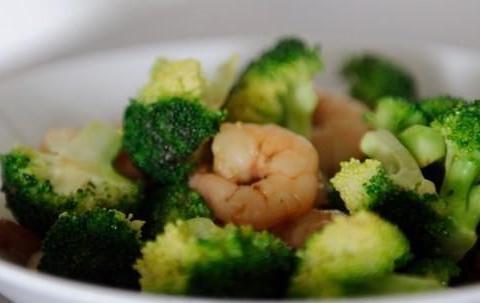 西兰花的几种做法,清淡又鲜美,谁说不好吃了