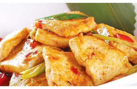 精选美食推荐:娃娃菜木耳,鱼香煎豆腐,红烧话梅排骨的做法