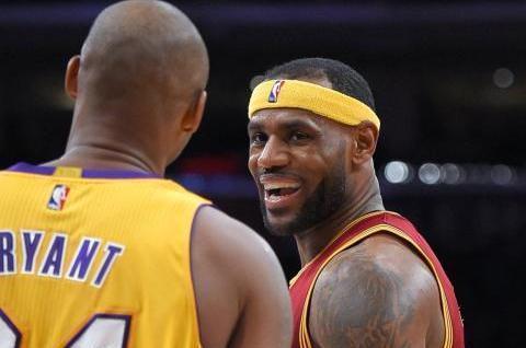 NBA4大巨星的总决赛首秀!詹姆斯科比旗鼓相当,杜兰特比肩乔丹