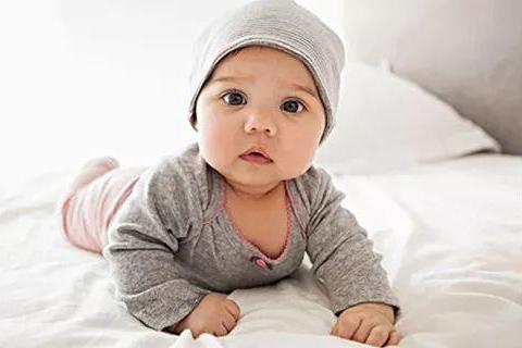 """新生宝宝应该穿多少?最佳""""穿衣公式""""来了!"""