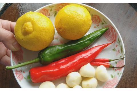 鲈鱼加2个柠檬,锅盖一盖7分钟出锅,鲜香营养好吃,吃一次就爱上