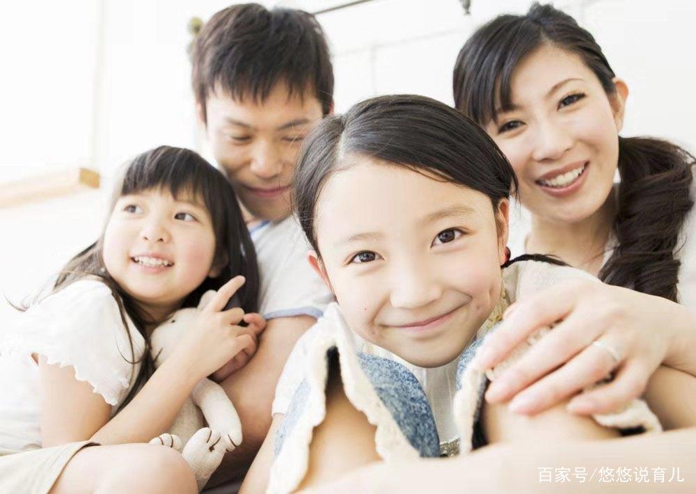 大一女生问父母要4千生活费应该吗?富养孩子,却不能教会她感恩