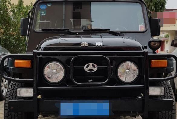 全新酷黑版BJ212提车,真皮内饰+炫酷外观