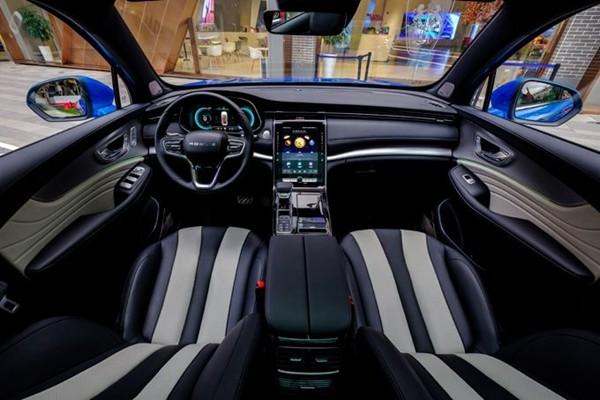 荣威RX5 MAX带来的科技美感,让驾车充满乐趣