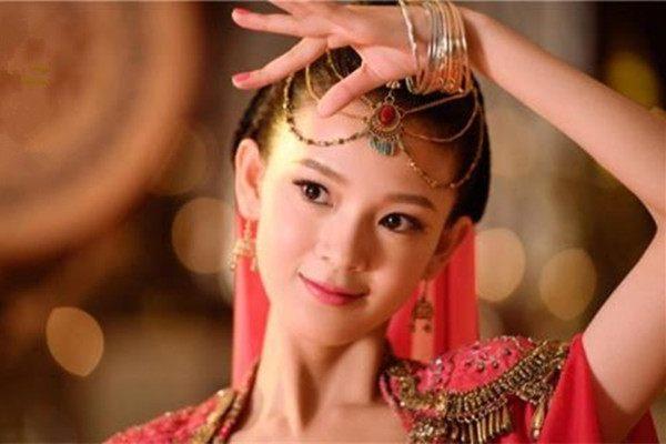24岁的陈瑶,祝绪丹,刘亦菲,热巴,古力娜扎,真是美得各不相同