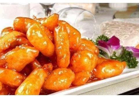 精选美食:老干妈烧鱼、红烧油豆腐塞肉、千张丝炒韭菜的做法