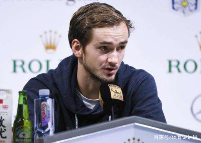 战胜小兹维列夫夺冠,打破3巨头9年垄断,欲冲击世界第一宝座