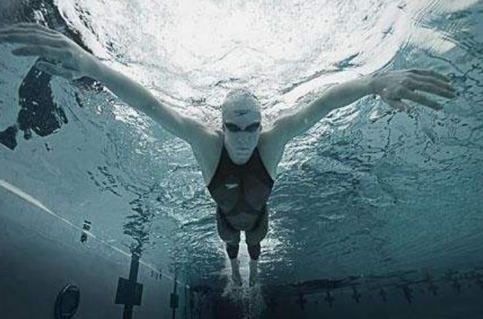 人类黑科技:鲨鱼泳衣究竟有多强才会被泳联禁止?菲鱼这样形容!