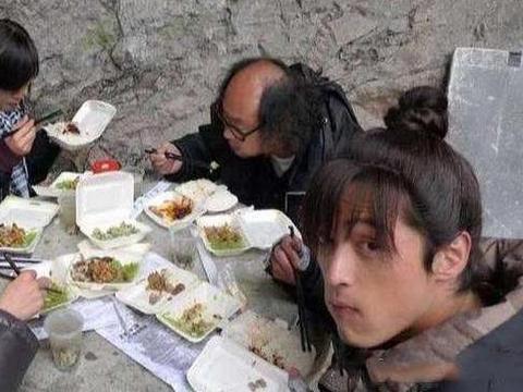 明星的工作餐,鹿晗的家常,杨洋的丰盛,我还是喜欢何炅的