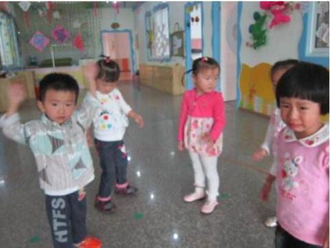 孩子刚上幼儿园,过得好不好不要只问老师,看看孩子的这几个表现