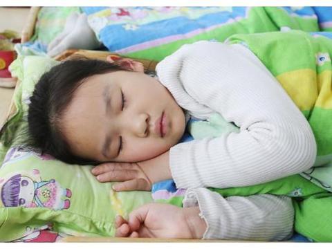 每天坚持午睡的孩子和不午睡的孩子,长大后的差别,居然这么大!