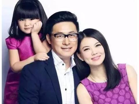 李湘女儿10岁生日,王岳伦祝福方式太有趣,家庭地位一目了然!