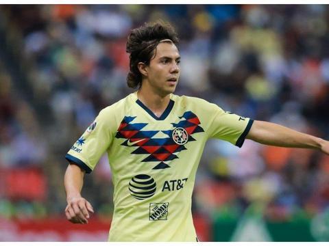 身价仅仅400万英镑!墨西哥国脚科尔多瓦引起曼联兴趣