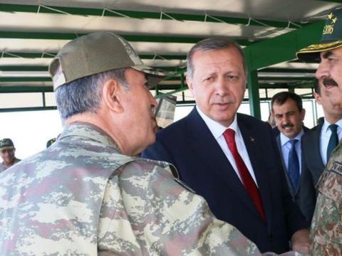 大批神秘军舰现身中东,目的警告土耳其停火,俄:这才是真正对手