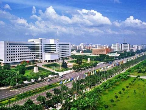 游走河南郑州,当地人热烈欢迎,离开之时城里人热情相送