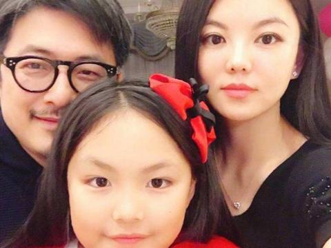 诗龄生日,女大十八变,越来越像王岳伦,李湘成家里最瘦的了