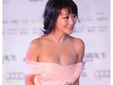 陈紫函的胆子越来越大,看到如今44岁的她,网友:这谁顶得住?