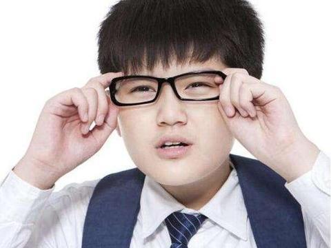 我国青少年近视率全球第一,谁是孩子视力的杀手?