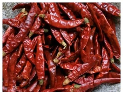 2两干辣椒2包豆豉,教您秘制老干妈,又香又辣,比吃肉还过瘾