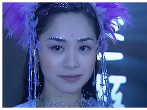 同样是演紫薇仙子,钟欣潼清纯俏皮,她却成为观众们心目中的经典