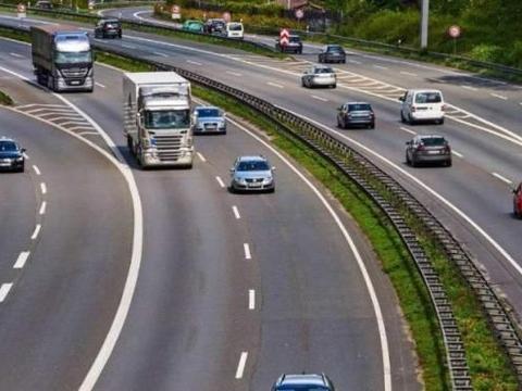 """""""德国高速""""为啥几乎看不到车祸发生?看完缘由,表示要深刻反思"""