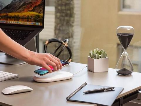 Sandisk发布无线充电和自动备份设备iXPAND