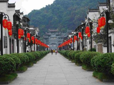 江西最受欢迎旅游城,因独门手艺闻名内外,很多人还以为它是小镇