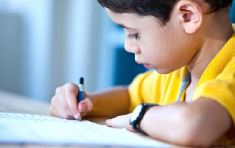 怎么高效辅导孩子写作业?心理学:父母应该用故事思维怎么高效率