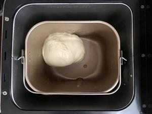 手把手教你做牛奶软面包,奶香浓郁,松软可口,好吃极了