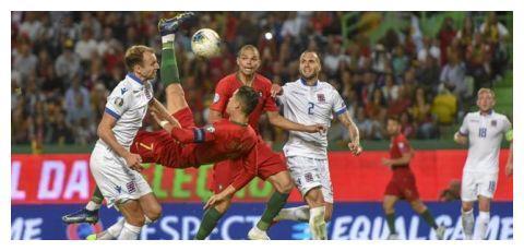 葡萄牙主帅:当然希望C罗能在国家队打入第700球!