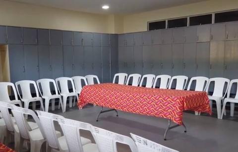 记者:国足客战菲律宾更衣室简陋,还需防范蚊虫叮咬