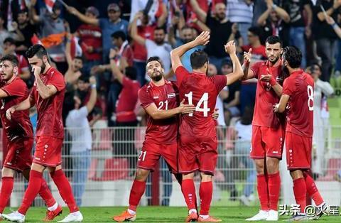 """""""2:1!后卫吃红牌!马尔代夫还进1个球,国足主要对手赢得费劲"""""""