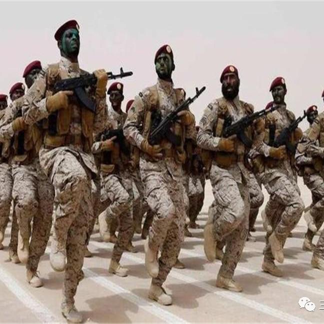 骑虎难下!中东大国50万大军一触即发,导弹上升开始加注燃料