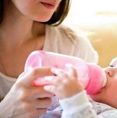 吐奶宝宝的喂养小窍门