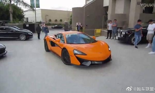 视频:超跑旋风来袭 街拍橙色迈凯伦570S炫酷
