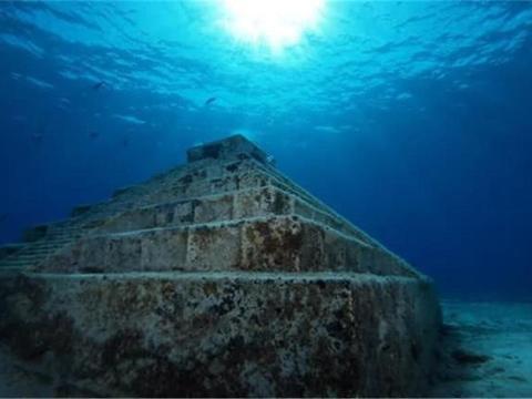 中国台湾附近海域发现金字塔?距今上万年之久,石墙刻有象形文字