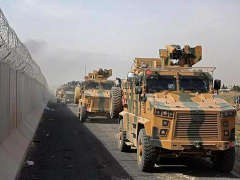 俄罗斯反复警告被当耳旁风,土耳其大批部队越过边境线,木已成舟