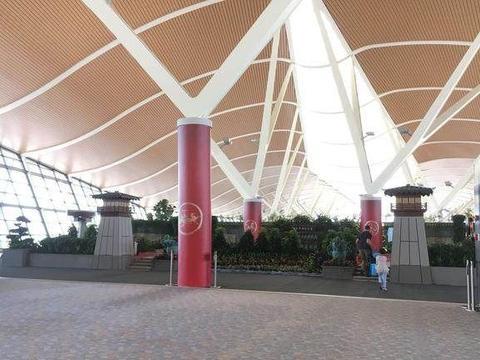浦东机场发现1930年款爱马仕箱包,现在拎着还拉风吗?