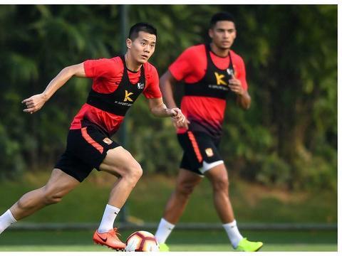 广州恒大日常训练,高拉特与布朗宁首次同框!