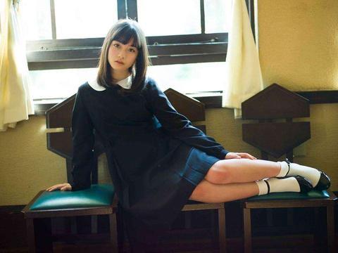 """日本""""千年一遇美少女""""桥本环奈发福变水桶腰,身高只有一米五"""