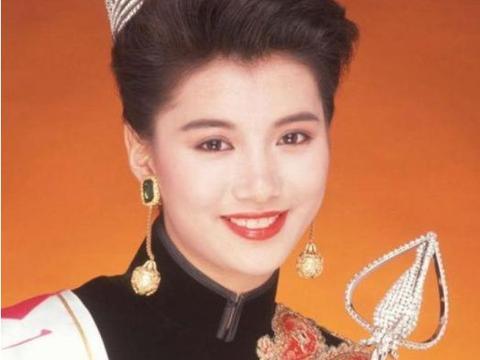 袁咏仪19岁选香港小姐的照片,与现在相比,最明显的差别在这里