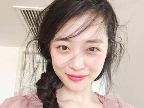 雪莉生前遭网络暴力,韩国网暴多严重?刘在石吃面用两张纸被骂惨
