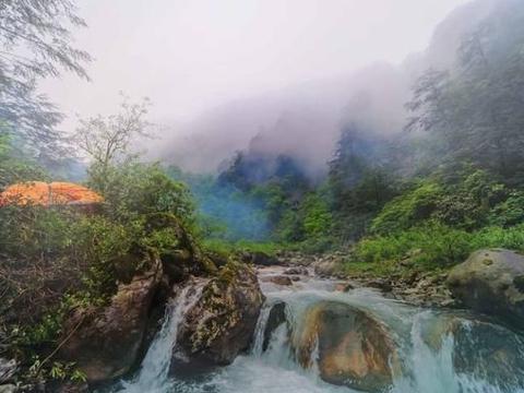 穿越成都无人区 貌似一群麻瓜闯入伏地魔的阿尔巴尼亚森林……