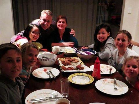 美国普通家庭的一日三餐,一般都吃些啥?中国游客:真的吃不惯!