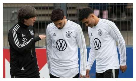 锁定!勒夫派谢尔达尔、阿米里,这样他们只能为德国效力