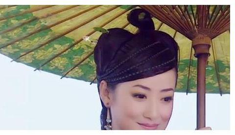 15位古装剧撑伞美人, 赵丽颖帅气, 唐宁清纯, 不如她神仙般的颜值
