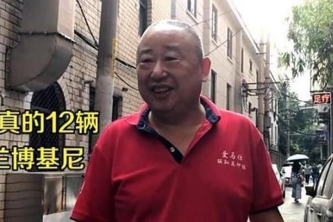 """30年老店的""""爱马仕""""炒饭,1天卖700份,12辆豪车半夜排队来吃!"""