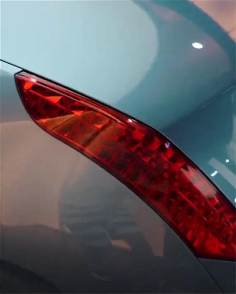 """罕见4072万劳斯莱斯,车型定制,全球限量1台,采用""""双旗""""尾标"""